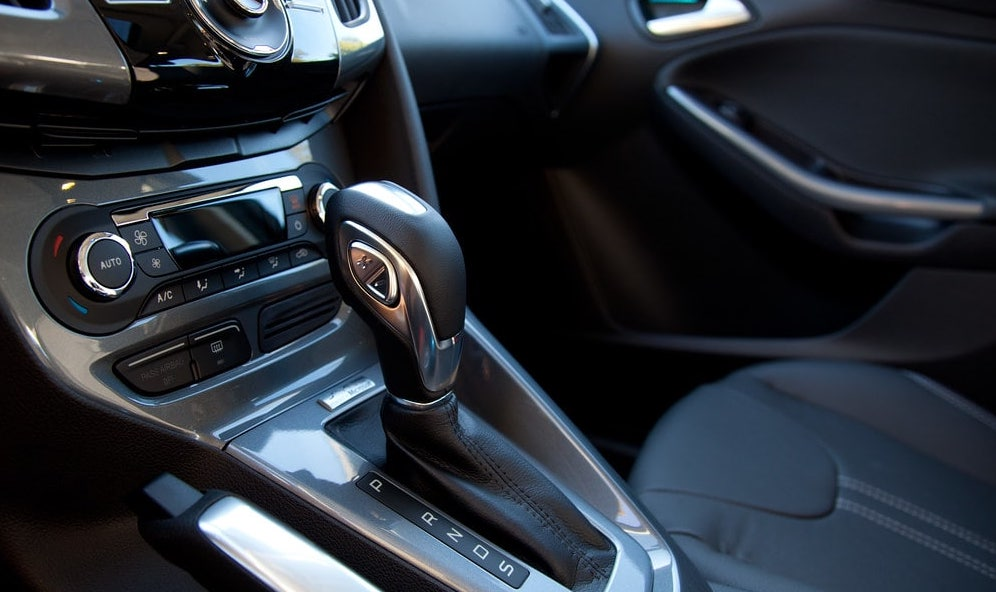 difference between manual cars & automatic cars